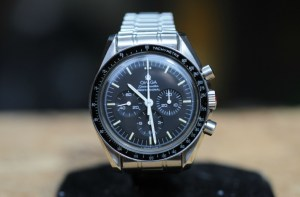 omega replica moonwatch